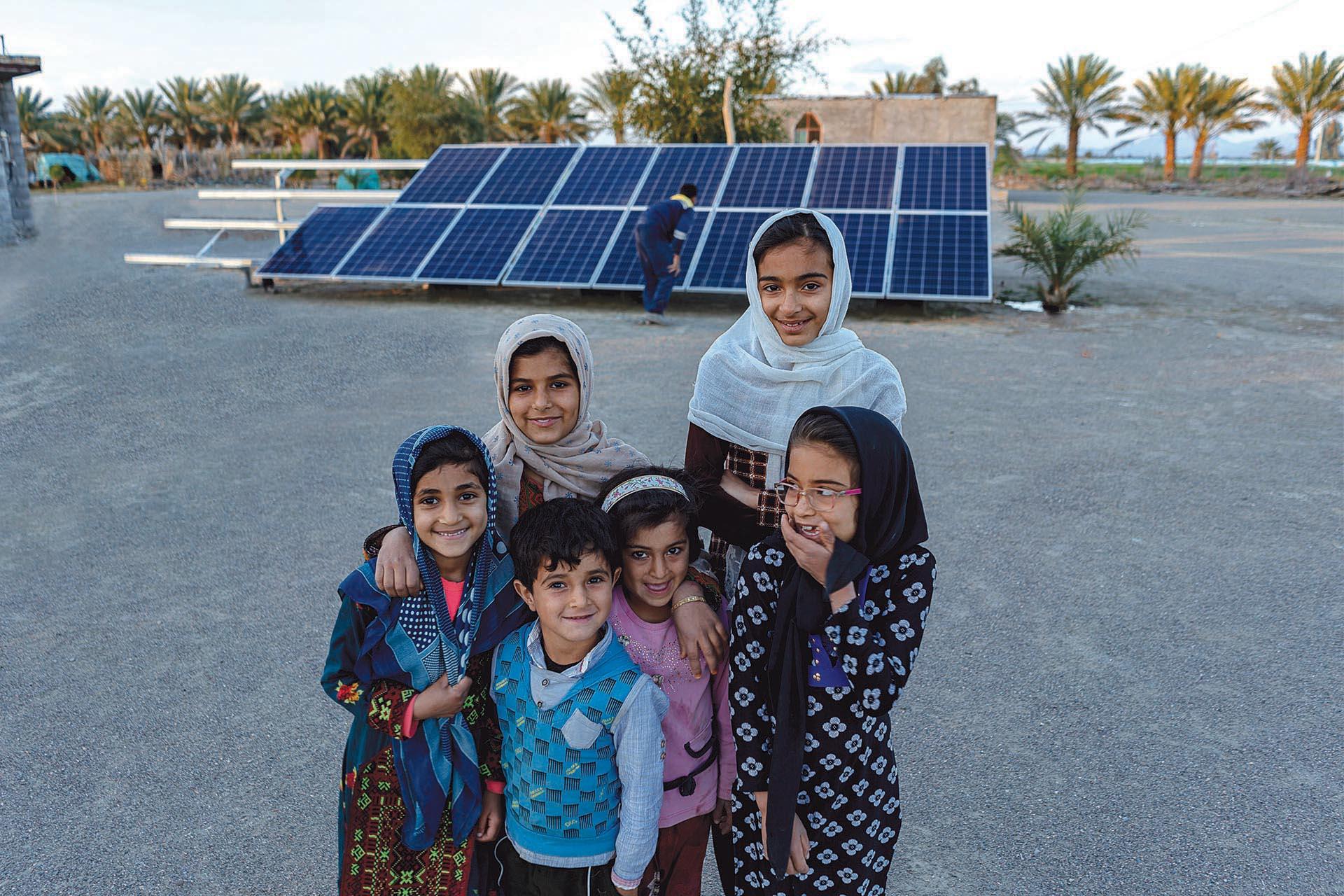 ۵۲۰ مددجوی کمیته امداد به جمع تولیدکنندگان برق کشور پیوستند