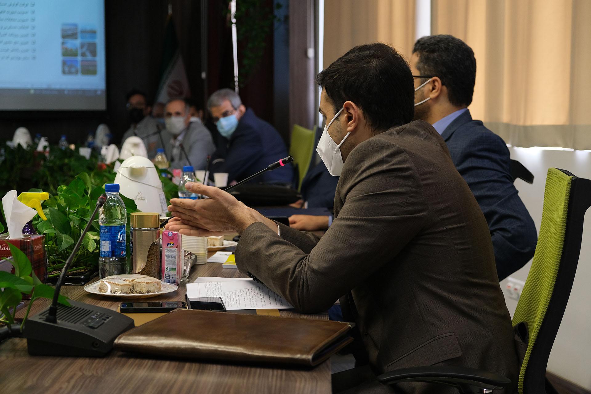 مجمع عمومی عادی سالیانه شرکت تولیدی آرین ماهتاب گستر برگزار شد